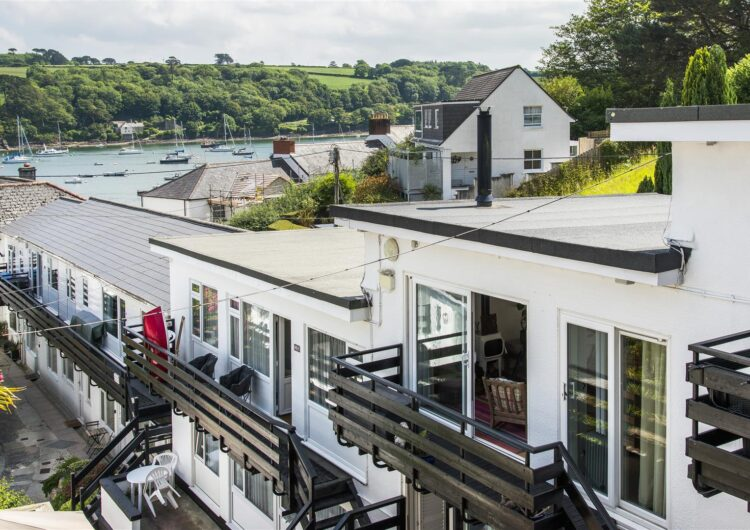 The Courtyard, Helford Passage property image
